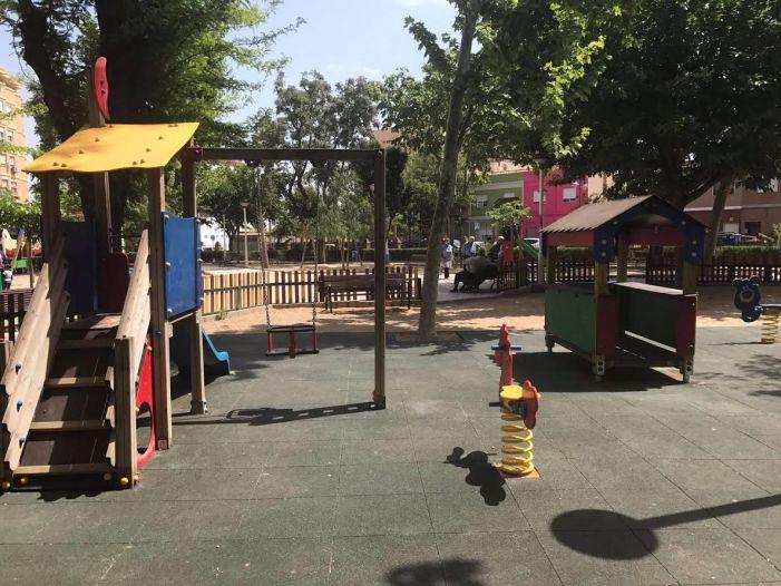 El Ayuntamiento de Benifaió renueva los parques infantiles