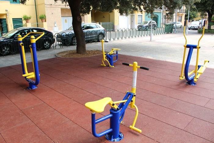 L'Ajuntament d'Almussafes instal•la un circuit biosaludable en el Parc del Sagrari