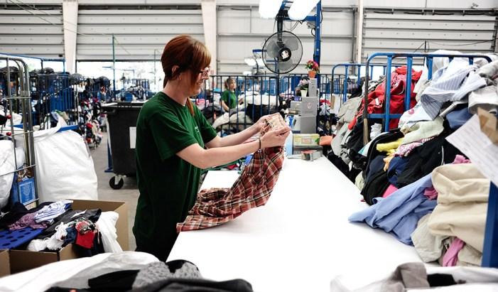 Benimodo augmenta la seua solidaritat i dóna 1'2 tones de roba