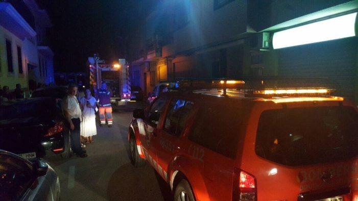 La Policia Local d'Almussafes sufoca un incendi en una vivenda