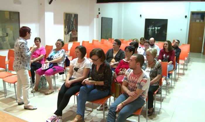 Aviva Algemesí convoca de nou el Voluntariat pel Valencià