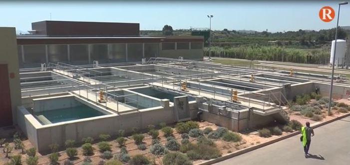 Augmenta el consum d'aigua en els domicilis d'Alzira amb la campanya 'Beu aigua de l'aixeta'