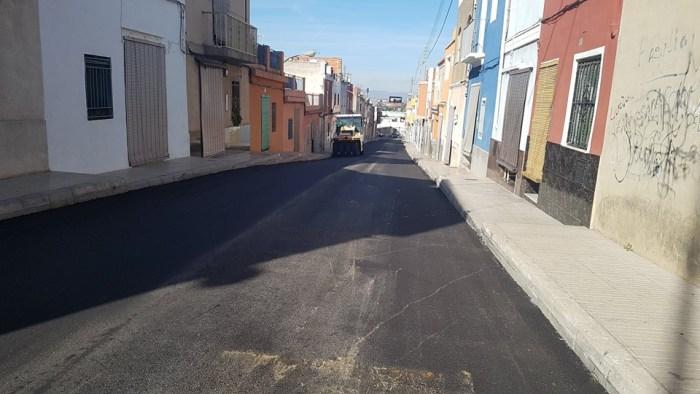 L'Ajuntament d'Alzira ha començat els treballs de pavimentació als carrers de la ciutat