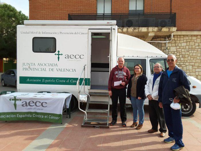 La unitat mòbil de prevenció del càncer de pell visita Almussafes