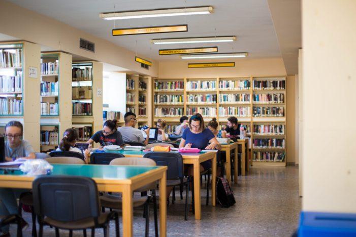 Cullera obrirà la biblioteca també els dissabtes