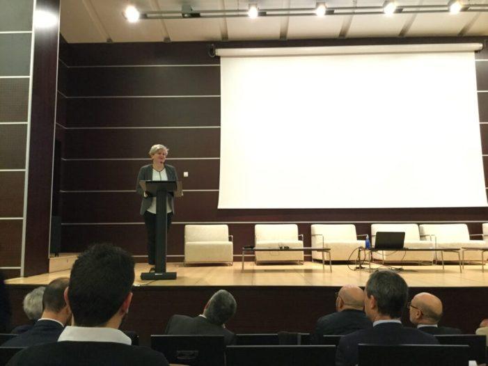 Pilar Moncho reivindica un nou model de gestió turística davant els empresaris valencians del sector