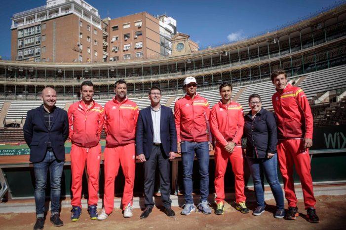 Rodríguez desitja sort a l'equip espanyol de la Davis després de la sessió d'entrenament en la Plaça de Bous