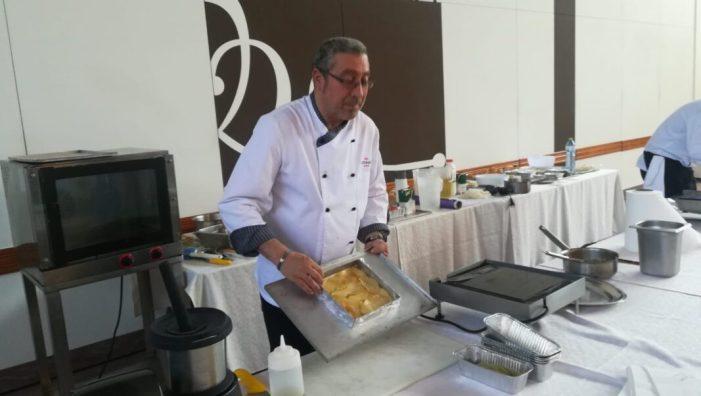 Vint-i-quatrealmussafenysparticipen en un taller de cuina en la SalaCotoneraEventsd'Alzira
