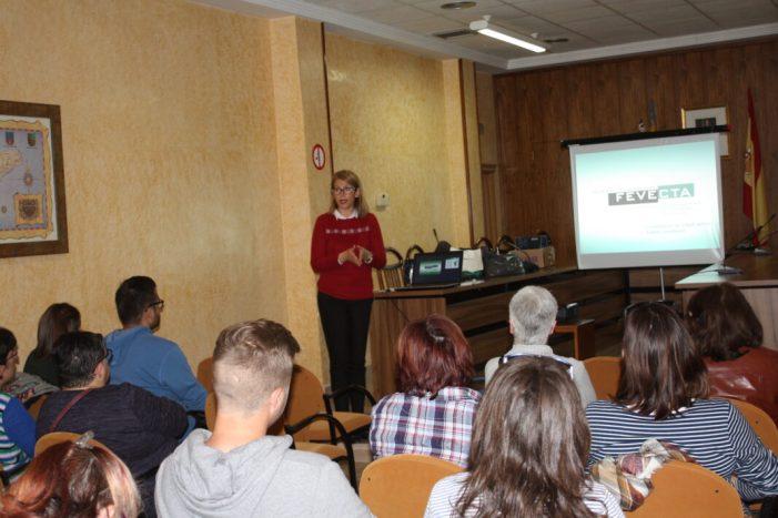 Turís assessora al veïnat sobre el cooperativisme a través de La Ribera Impulsa