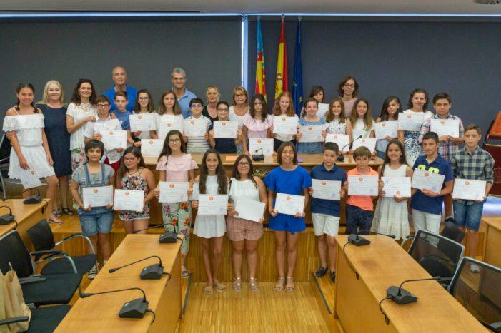 Picassent lliura els Premis Afany de Superació a 27 xiquets i xiquetes de 6é de Primària