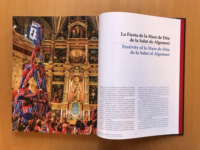 Les Festes de la Mare de Déu de la Salut d'Algemesí, portada del llibre Patrimoni Mundial i Immaterial d'Espanya