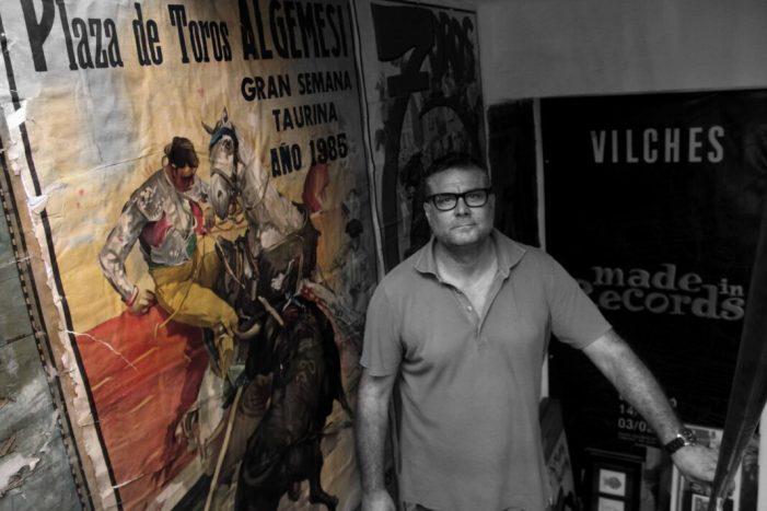 Algemesí rendeix tribut a la figura del bou amb l'exposició Toroarte, de l'algemesinenc Juan Vilches