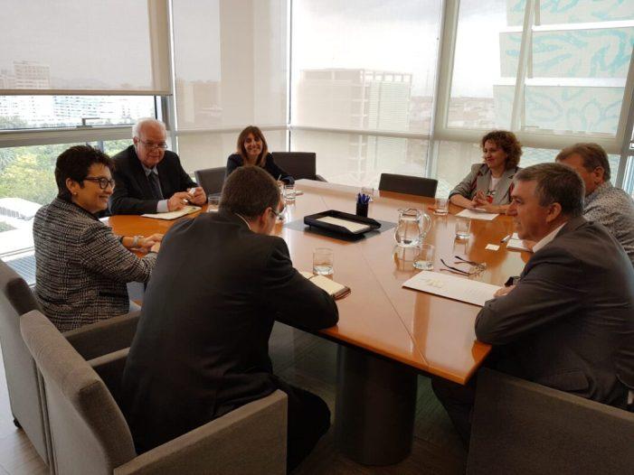 Economia i el Ministeri d'Indústria estudien accions conjuntes per a donar suport a la indústria 4.0 i a l'Instrument Pime