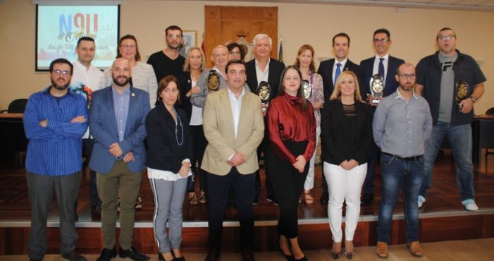 Giménez, Ortiz, Pérez, Martí i el club de taekwondo entren en el llibre d'honor d'Alberic