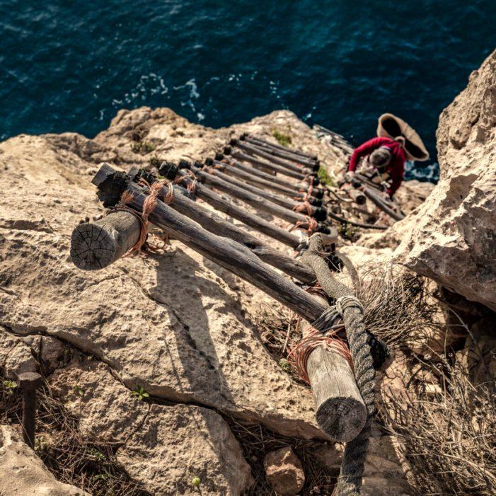 Cultura recupera la tradició de la pesca de 'Les pesqueres' en l'exposició 'Nits de tinta
