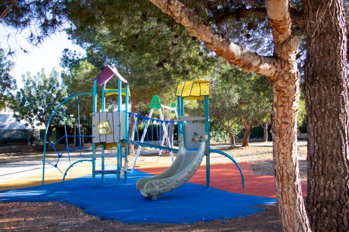 L'Ajuntament de Picassent instal·la un nou parc infantil en la urbanització de Sierramar