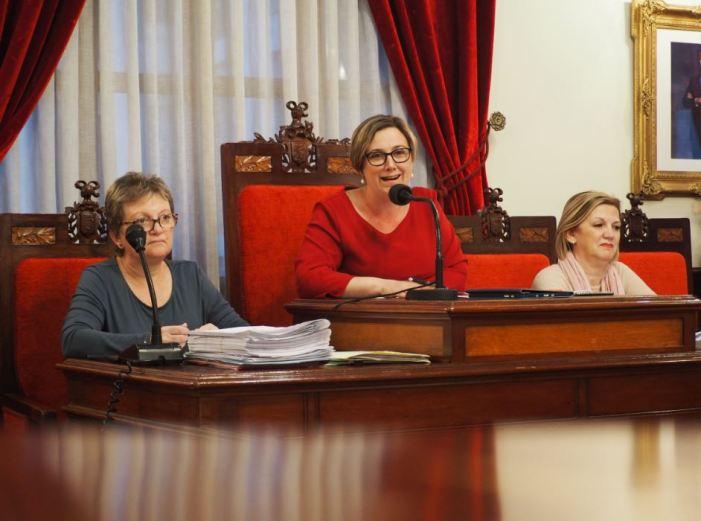 L'Ajuntament de Sueca aprova per unanimitat una moció per defensar la taronja valenciana