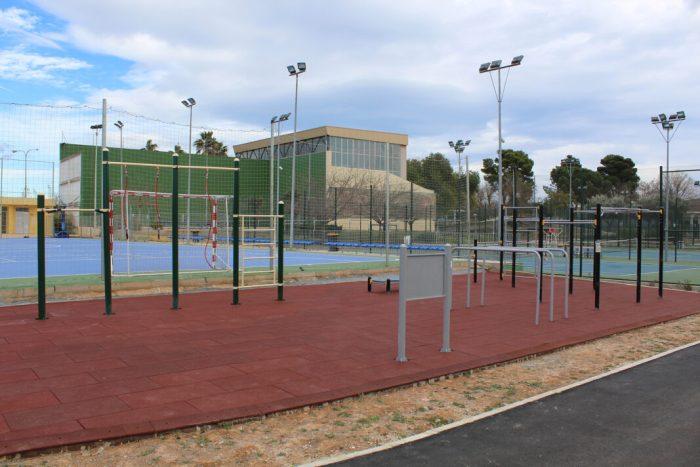 El Poliesportiu Municipal d'Almussafes incorpora un parc per a practicar cal·listènia