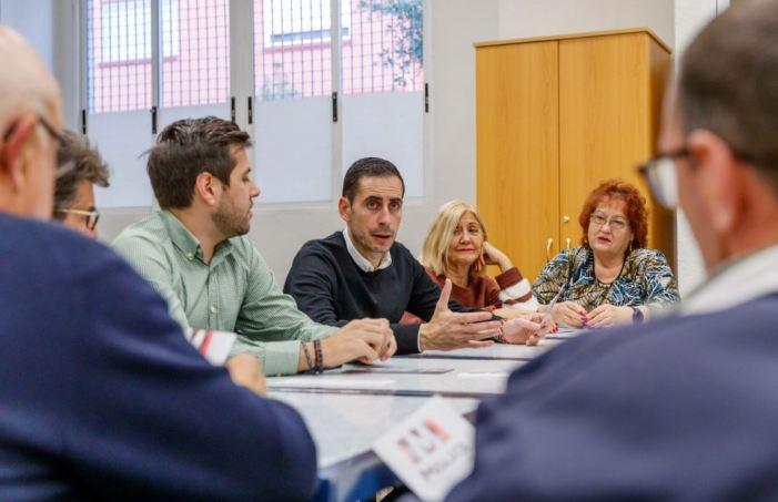 L'Ajuntament de Mislata acosta el programa 'La Suma de Totes i Tots' als majors i als joves del municipi