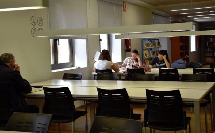 Carlet  amplia l'horari de la Biblioteca municipal