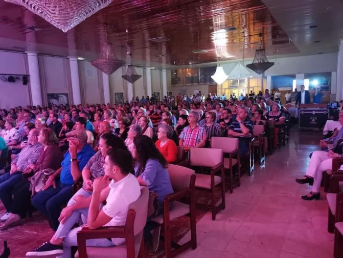 Ciutadans per Alberic es presenta davant més de cinc-centes persones
