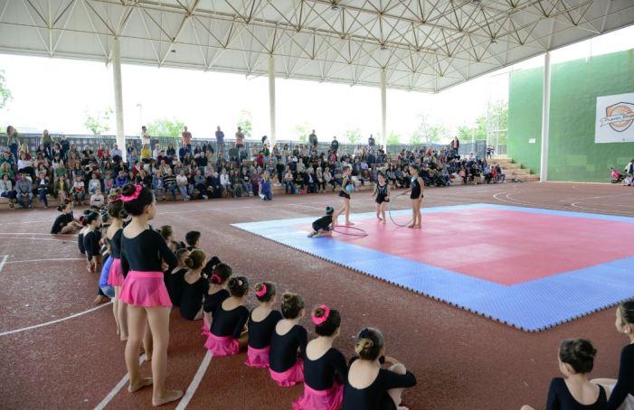 L'Encontre Comarcal d'Escoles esportives de Paiporta reuneix a 286 xiquetes i xiquets