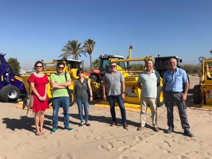 La Diputació inicia la campanya de neteja de platges que recorrerà 15 municipis durant tot l'estiu