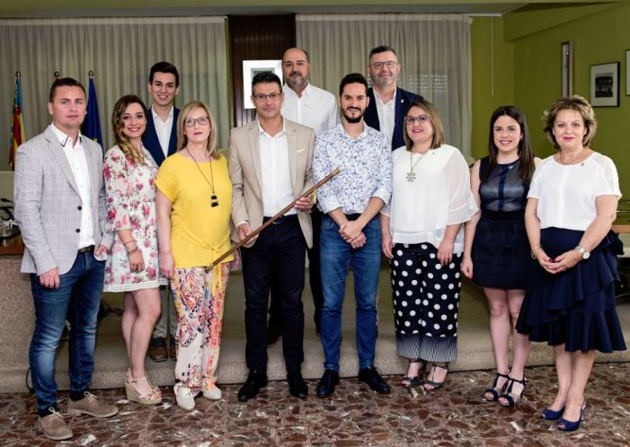 Toni González presenta la composició del nou Govern d'Almussafes