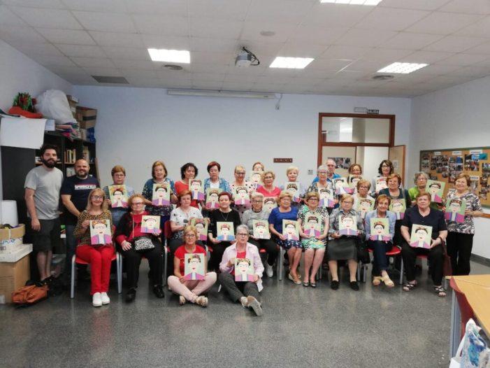 Un taller de pintura en el mes dels Majors  a Picassent