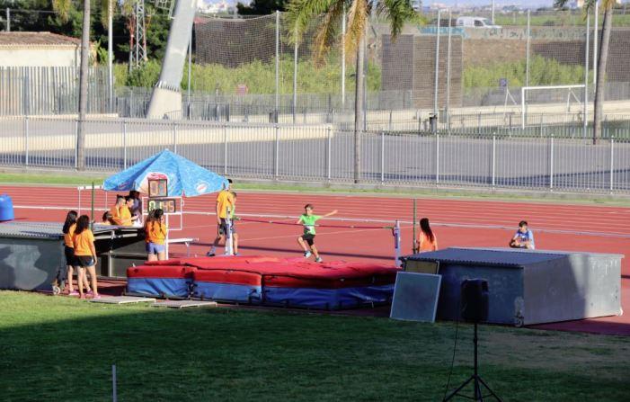 1.100 escolars competeixen en les Miniolimpiadas de Torrent