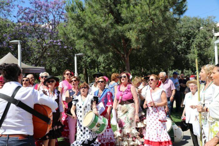 La comunitat andalusa d'Almussafes reivindica les seues arrels en la IX Romeria de la localitat