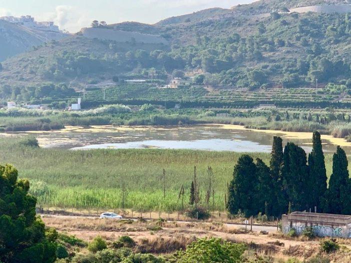 Cullera injecta 2,7 milions de litres per a mantindre el nivell de la Bassa de Sant Llorenç