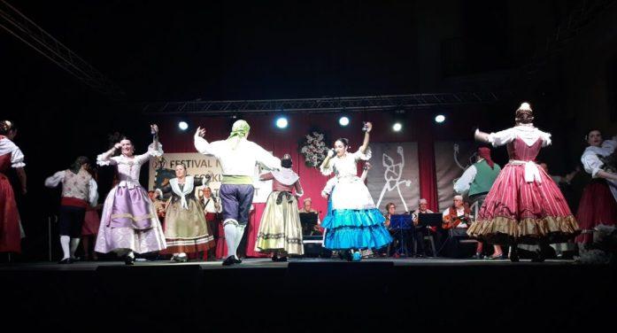 El festival Nacional de Folklore de Torrent, una mostra de cultura, danses i tradició
