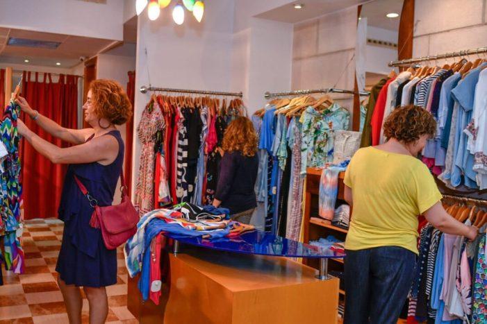 Els comerços de Cullera celebraran la Nit de Compres amb ofertes i activitats