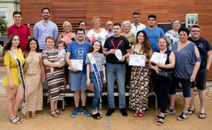 El restaurant 'Días de Vino i Rosas' recull el seu premi com a guanyador de la VIII Ruta de la Tapa d'Almussafes