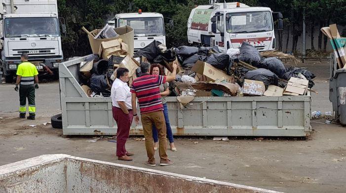 Alzira compta amb un ecoparc on dipositar les deixalles per tal d'evitar abandonar-les a la via pública