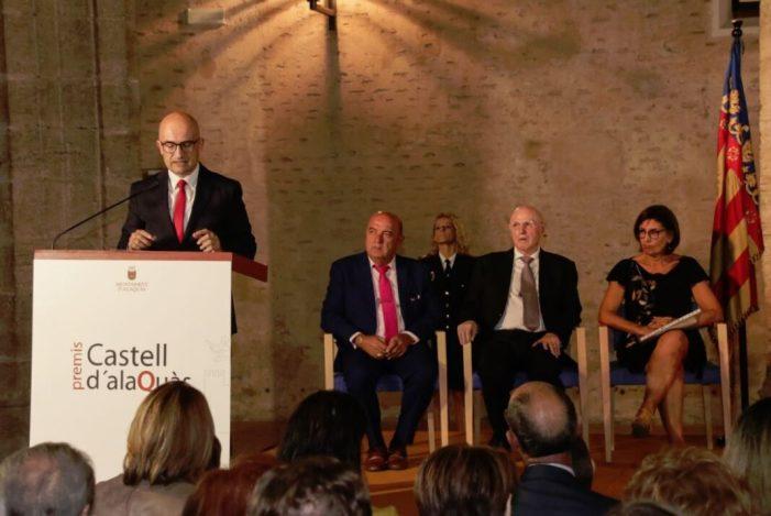El compositor José Salvador González, l'empresari Miguel Martí Medina i la mediadora social Flor Hoyos, Premis Castell d'Alaquàs 2019