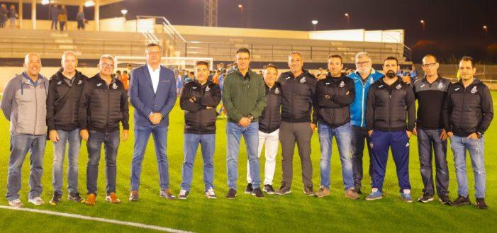 El Club de Futbol Almussafes presenta als 300 futbolistes de la seua Escola