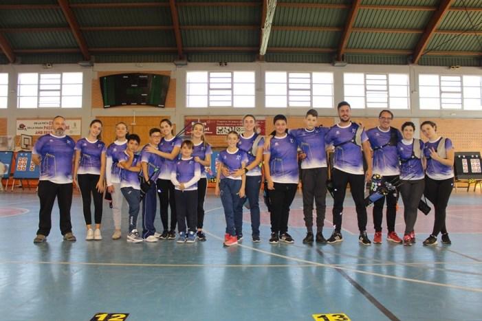 Les dones del Club de Tir amb Arc d'Almussafes destaquen a La Pobla de Vallbona