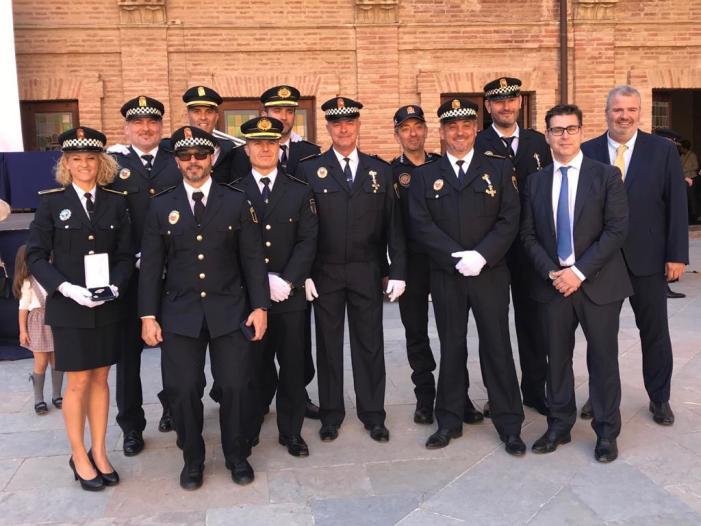 La Generalitat distingeix la labor del cos de la policia local d'Alaquàs