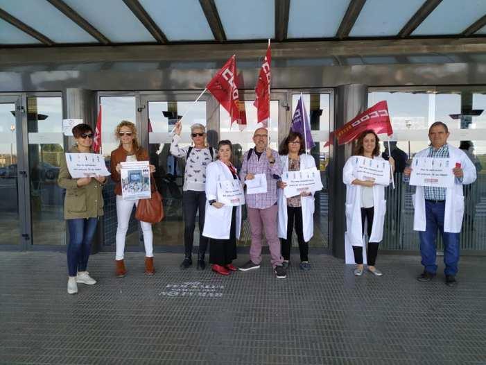 Hui en l´Hospital de la Ribera CCOO ha convocat  una concentració per la dignificació de les professions sanitàries