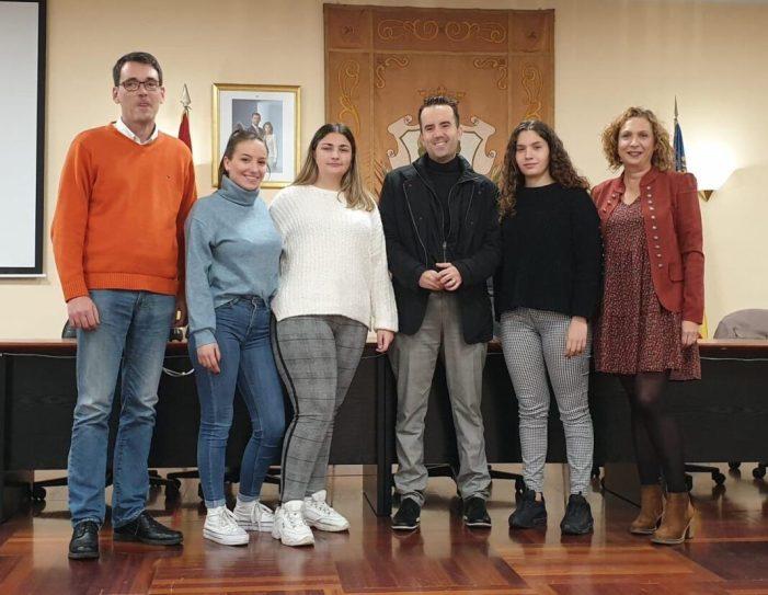 Un sorteig permet a Ainara Juan Fernández ser la nova Regina de les Festes d'Alberic