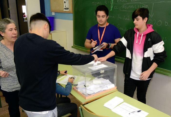 Els centres educatius de Paiporta trien els seus consells escolars