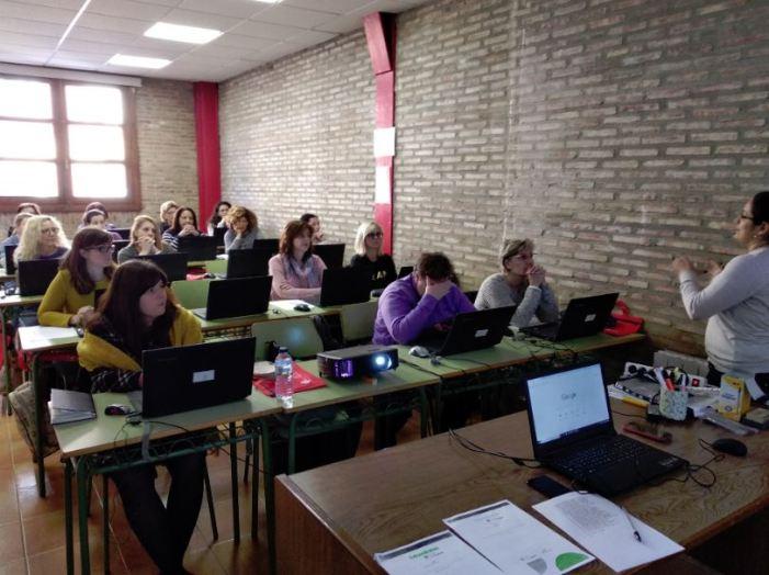 Celebrada una jornada sobre competències digitals per a dones