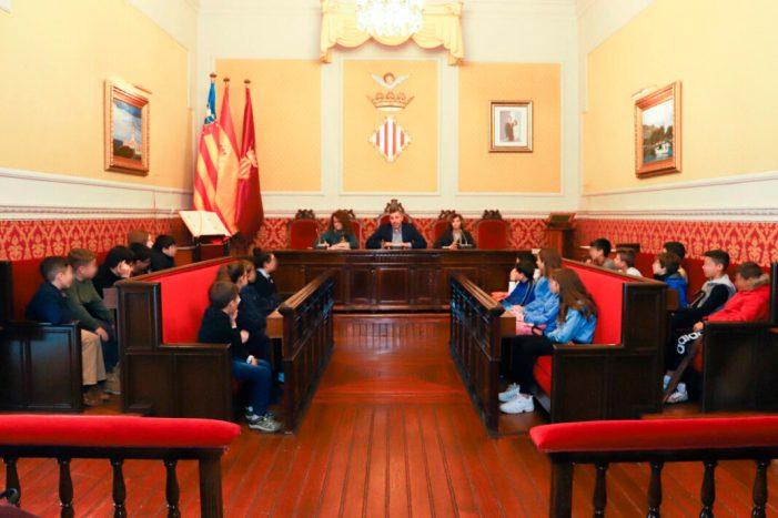 Cullera dóna veu i vot als seus xiquets i xiquetes amb la creació del primer consell municipal  de la infància i l'adolescència