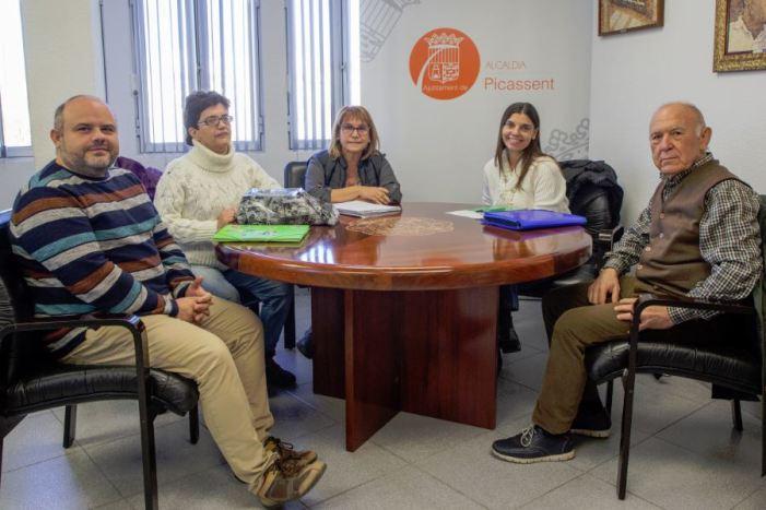 """L'Ajuntament firma un conveni amb la nova associació local """"Endavant cultiva't"""" per a persones amb diversitat funcional"""