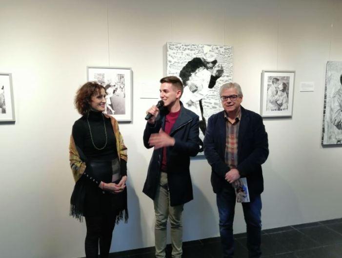 L'amor protagonitza a Almussafes la primera exposició en solitari de Violeta Santos