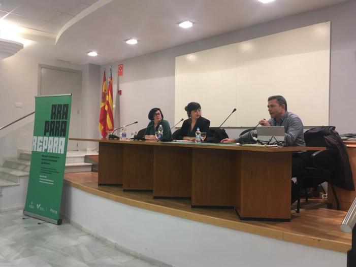 La regidora d'Igualtat, Polítiques de Gènere i LGTBI, Lucía Beamud, ha assistit hui a la sessió informativa del nou Servici 'REPARA'