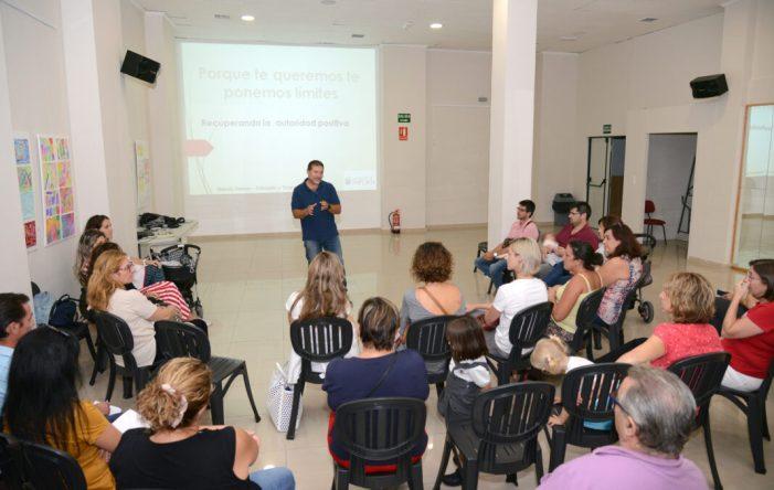 L'Escola de Famílies de Paiporta ofereix una xarrada sobre sexualitat en l'adolescència