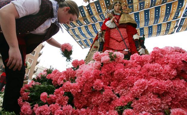 El sector de les flors estima unes pèrdues de 5 milions per l'ajornament de les Falles